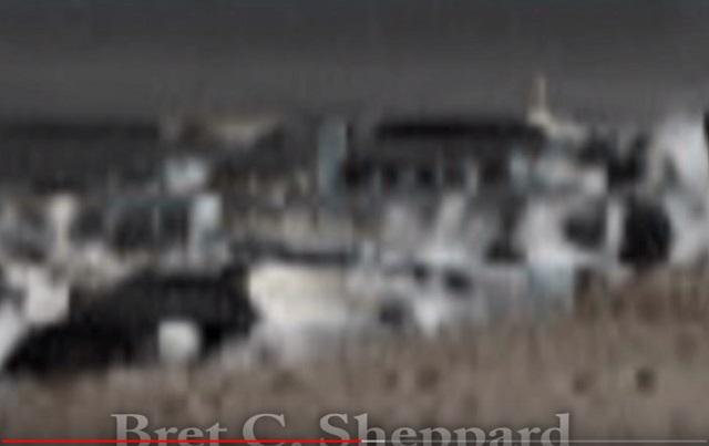 【動画】月面の「軍艦島」がバッチリ撮影されていた!どう見ても住居施設… ホログラムエラーで無数のUFOの姿も露呈!の画像2