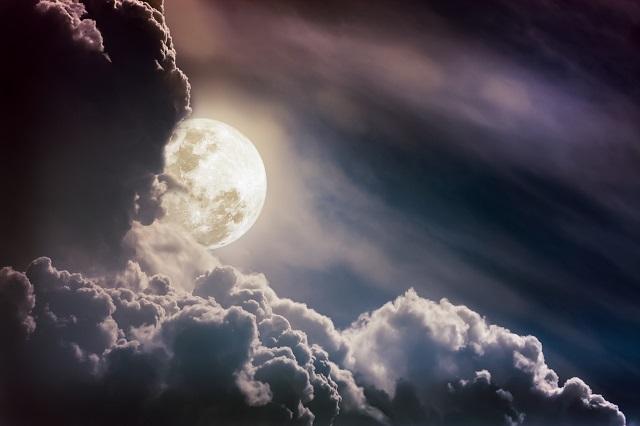 【動画】月面の「軍艦島」がバッチリ撮影されていた!どう見ても住居施設… ホログラムエラーで無数のUFOの姿も露呈!の画像1