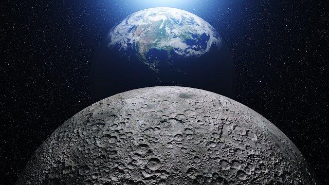 NASAが月の北部で「巨大ピラミッド」を激写! クレーター内部に宇宙人基地が存在か!?の画像1