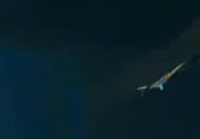 NASAの中継映像に巨大宇宙鳥が出現「これは本物」!  しかし、即座に放送中断…疑念深まる!の画像3