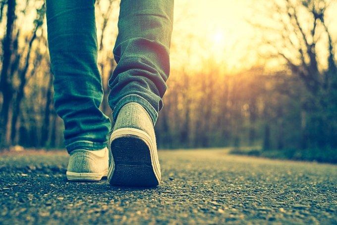今年の夏は「ナンバ歩き」が大ブームの予感?霊感高まり、健康増進効果も抜群?の画像1