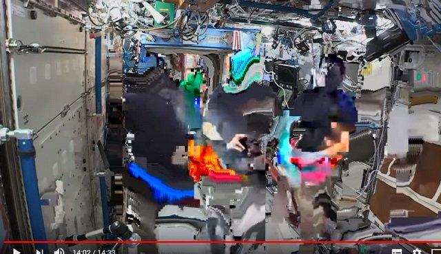 【衝撃】宇宙飛行士のライブ映像が合成である証拠が流出!クロマキーで確定、 やはり人類は宇宙に行ってない!?の画像3