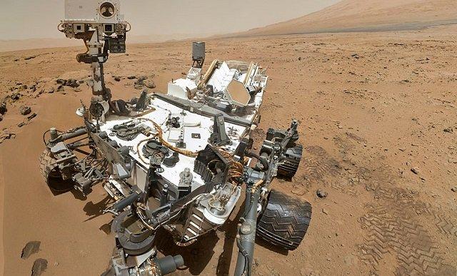 【ガチ】火星画像に「完璧な円盤型UFO」が写り込む! しかしNASAは不可解すぎる理由で削除…深まる謎!の画像1