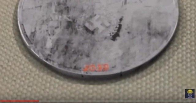 【衝撃】「2039年製造のナチス硬貨」が発見される! ヒトラーが8分違いのパラレルワールドで世界統一している証拠か!?の画像3