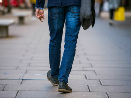 <ネット注文>便利さの弊害? 20代男性の「おでかけ」30年で半減~70代を下回る!の画像1