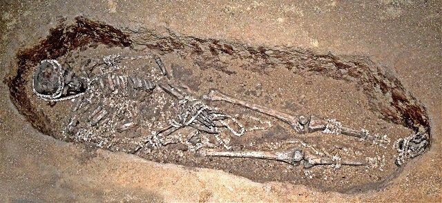 paleolithicburial1.jpg