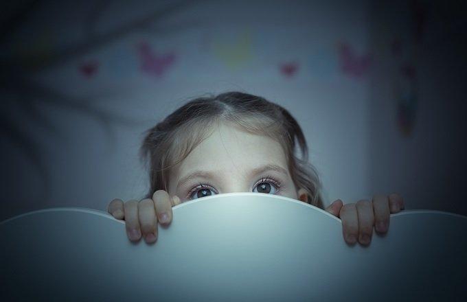 寝ている子どもの隣で夫婦がセックスすることは児童虐待か? 専門家も参戦して議論紛糾!=英の画像1