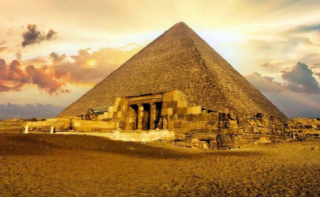 【ガチ】遂に「ピラミッドの石材運搬方法」が完全解明される! 4500年前に書かれた日記の衝撃内容が決定打に!の画像1