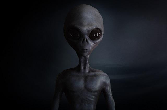 Qアノンが遂に「UFO・宇宙の真実」に関する情報の暴露開始! ロズウェル、秘密の宇宙計画、アポロ11号…の画像4