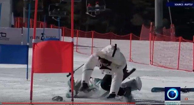 平昌で世界初のロボットスキー大会も開催中! 竹島の守護神「テコンV」も参加、ショボすぎて世界から嘲笑の嵐の画像6