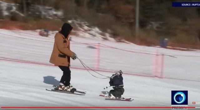 平昌で世界初のロボットスキー大会も開催中! 竹島の守護神「テコンV」も参加、ショボすぎて世界から嘲笑の嵐の画像3