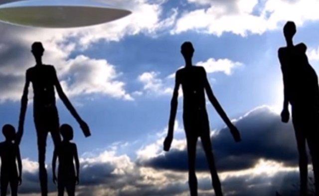 【衝撃】ロシアで身長7mの「巨大銀色宇宙人」が7体目撃される!! 警察署長宛の極秘文書で発覚、地元当局が捜査開始!の画像1