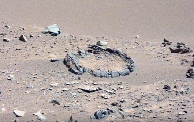 【画像】火星で不自然な「ストーンサークル」が発見される! NASA完全沈黙、火星文明の決定的証拠か?の画像2