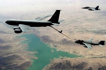 エリア51上空で謎の航空機が旋回飛行! 4時間もぐるぐる回って… 全航路判明、米軍製リバースエンジニアリングUFOに給油か!?の画像2