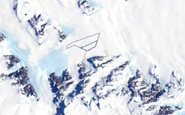 【衝撃】南極の秘密地下施設の場所がトラッキングアプリでガチ特定される! 失われた古代ピラミッドの可能性もの画像1