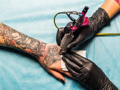 安室奈美恵さんのタトゥーが消えた! 「タトゥーを入れた人」の9割が後悔の画像1