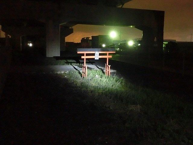 【閲覧注意】愛知県弥富市の謎の鳥居を徹底調査! 意外な設置理由も判明!の画像1