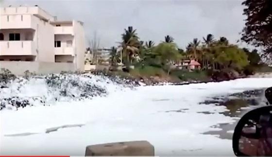 tsunamifoam2.JPG