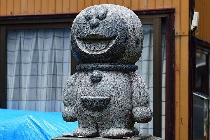 【投稿スクープ】石材屋の店先で「日本一恐ろしい墓石」を発見! あまりの凶相に吐き気が…の画像2