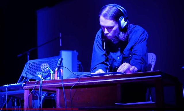 【音アリ】ついに「宇宙人のための音楽」が完成! 実験哲学者ジョナソン・キーツがヤバ過ぎるアセンション音を披露!の画像3