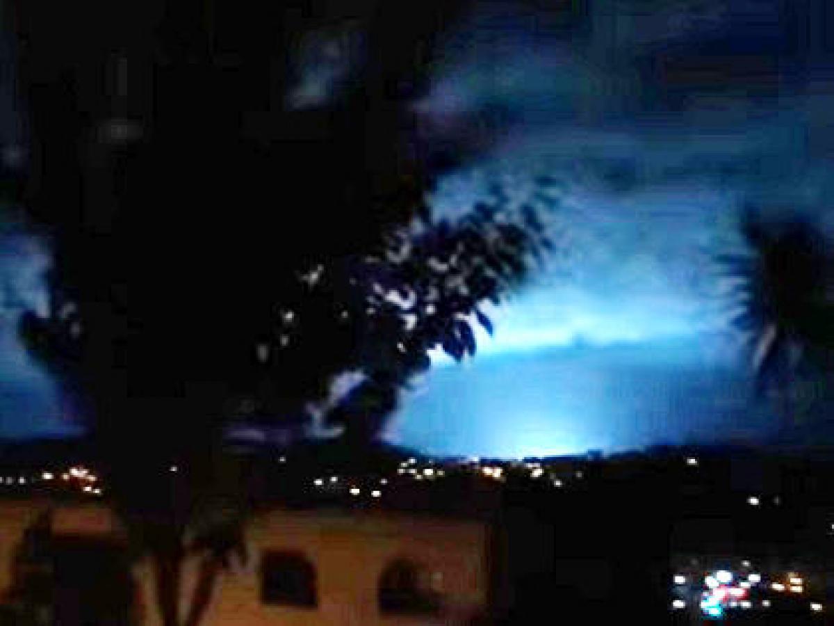 発光 現象 地震 大気発光現象