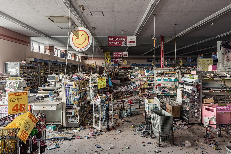 死ぬまでに絶対行きたい「世界のヤバイ廃墟」10選! 精神病院、ラブホ…世界的廃墟写真家ボブ・ティッセンが捉えた闇の絶景!の画像1