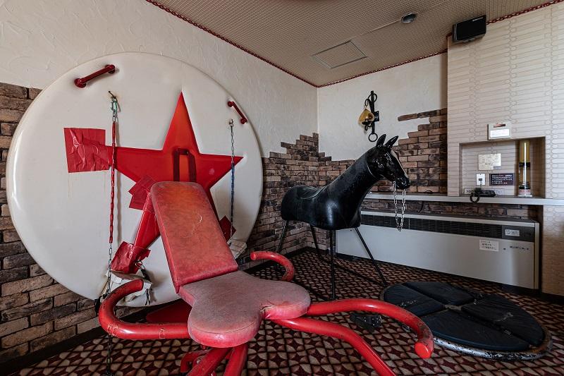 死ぬまでに絶対行きたい「世界のヤバイ廃墟」10選! 精神病院、ラブホ…世界的廃墟写真家ボブ・ティッセンが捉えた闇の絶景!の画像10